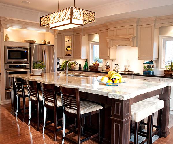 Signature custom homes for Lakeshore design builders